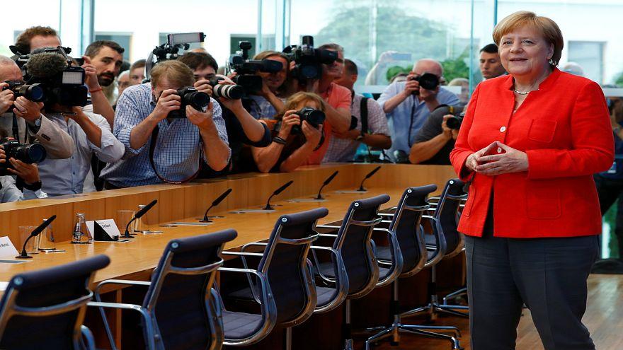 ميركل تطالب منصات التواصل الاجتماعي بتحمل مسؤولية المحتوى