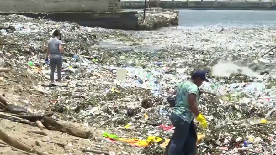 De mar de luxo a mar de lixo