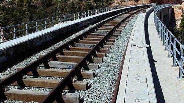 Τρένο παρέσυρε και σκότωσε δύο μετανάστες στην Αλεξανδρούπολη