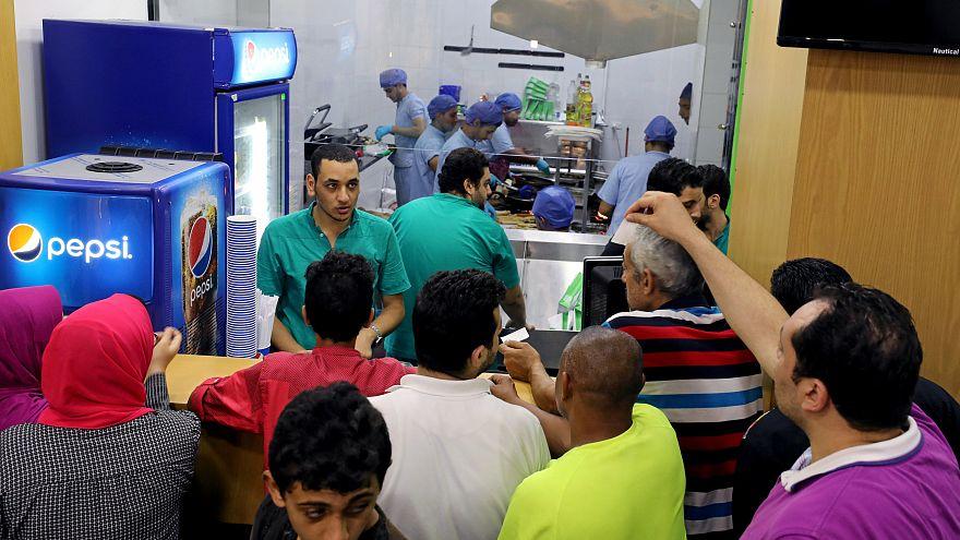 مصر ترفع أسعار الغاز الطبيعي المستخدم في المنازل والنشاط التجاري