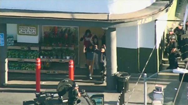 Lövöldözés és túszdráma Los Angelesben