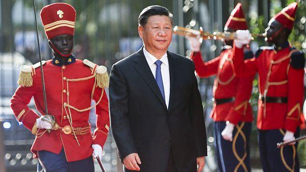 الرئيس الصيني يتعهد من السنغال بتعزيز العلاقات مع إفريقيا