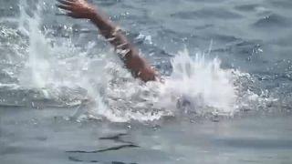 Schwimmend von Asien nach Europa