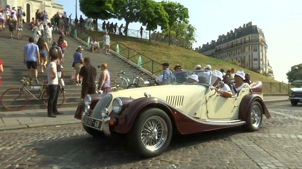 سيارة قديمة في العاصمة باريس