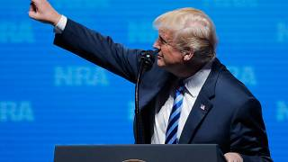 الرئيس الأمريكي دونالد ترامب يتحدث في البيت الأبيض بواشنطن أول يونيو