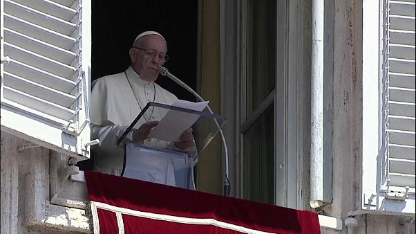 Papa Francisco pede rapidez para evitar naufrágios no Mediterrâneo