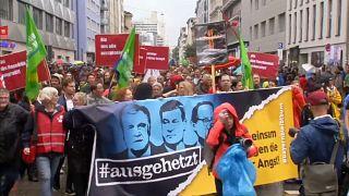 #ausgehetzt: Zehntausende bei CSU-kritischer Kundgebung