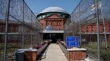 Günlük 1 dolara kaçak göçmen çalıştıran özel hapishanelere soruşturma