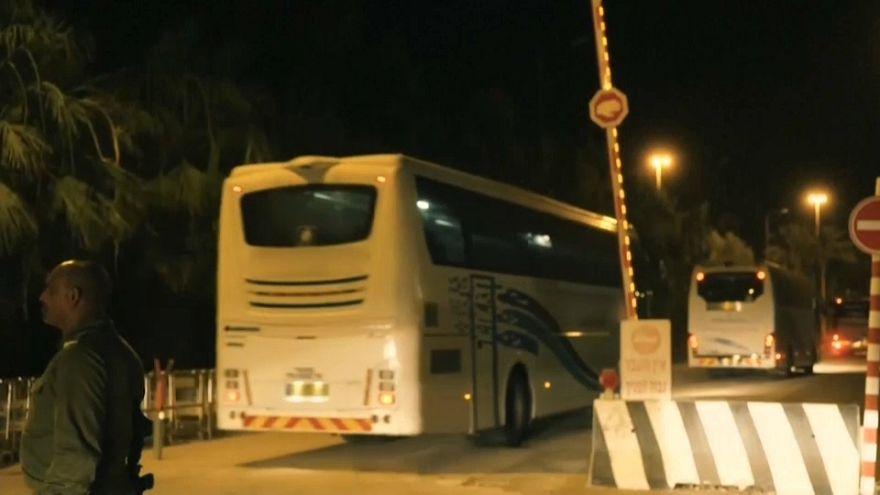 """Mais de 400 """"capacetes brancos"""" chegaram à Jordânia"""
