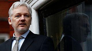 """""""Assange İngiliz makamlarına her an teslim edilebilir"""""""