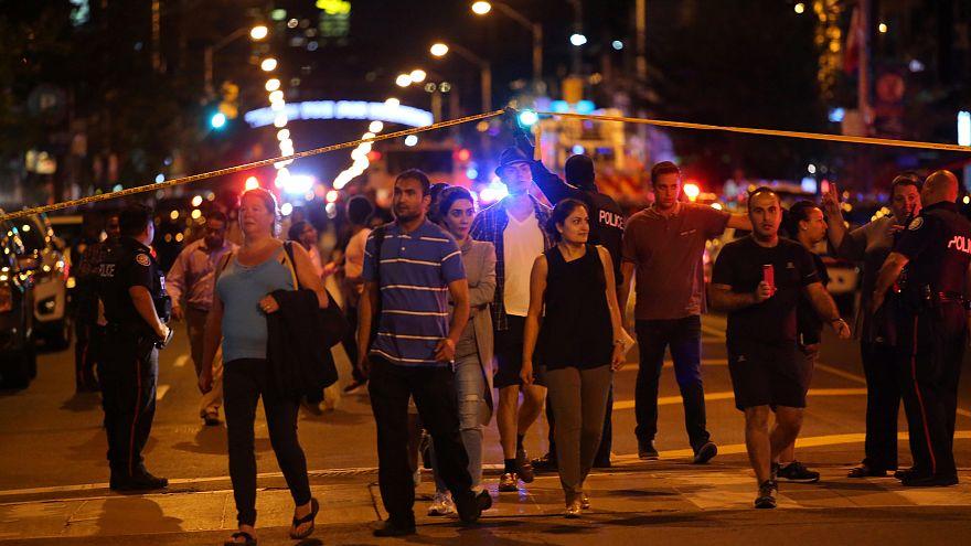 Tiroteio em Toronto: 2 mortos e 12 feridos