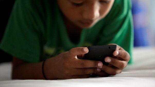 A mobil károsíthatja a tinédzserek memóriáját