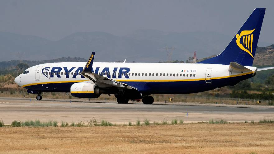 Ryanair shares drop sharply
