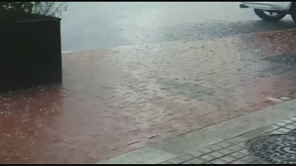 Strong hailstorm pelts Barcelona metropolitan area