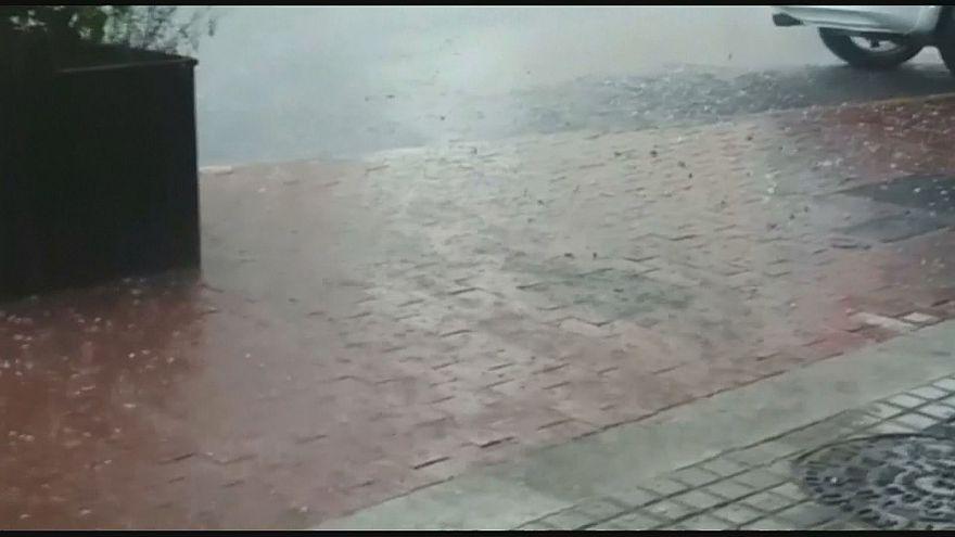 Jégesővel érkezett a vihar Katalóniába
