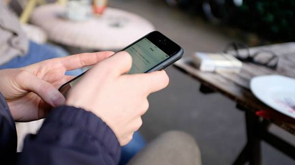 امواج تلفن همراه میتواند عملکرد حافظه نوجوانان را تحت تاثیر قرار دهد