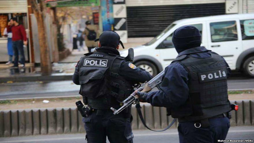 تركيا تعتقل 43 شخصا بتهم تتعلق بالانتماء لداعش