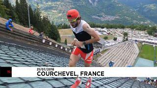 شاهد: الفرنسي بارونيان يحقق رقماً قياسياً في السباق العامودي