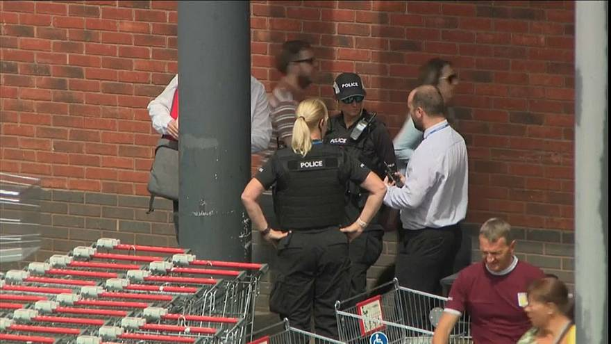 İngiltere'de çocuğa yapılan asit saldırısı zanlısı 3 kişi gözaltına alındı