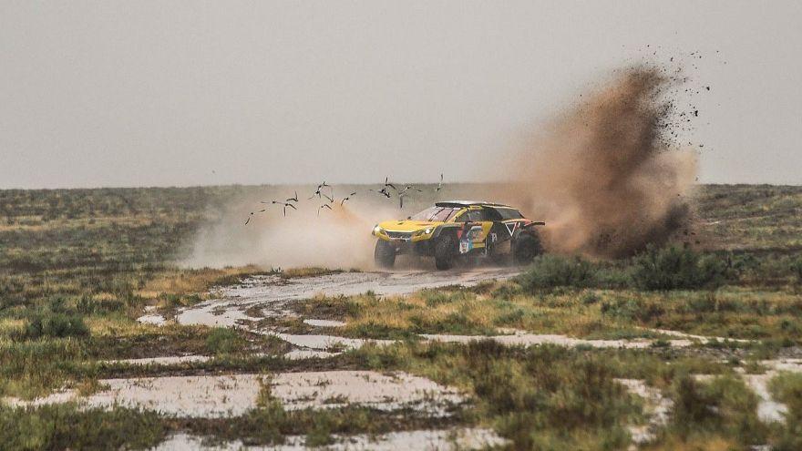 İpek Yolu Rallisi 3. etabı kötü hava koşulları nedeniyle kısa sürede bitirildi