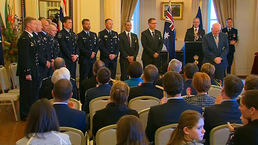"""تكريم تسعة أستراليين ساعدوا في إنقاذ """"فتية الكهف"""""""
