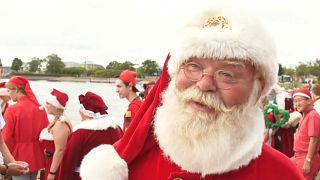 Onde de calor na Europa não evitou desfile de Pais Natal na Dinamarca