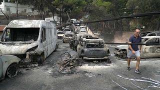 Yunanistan yangını: Kayalıklarda yolu kaybedince can verdiler