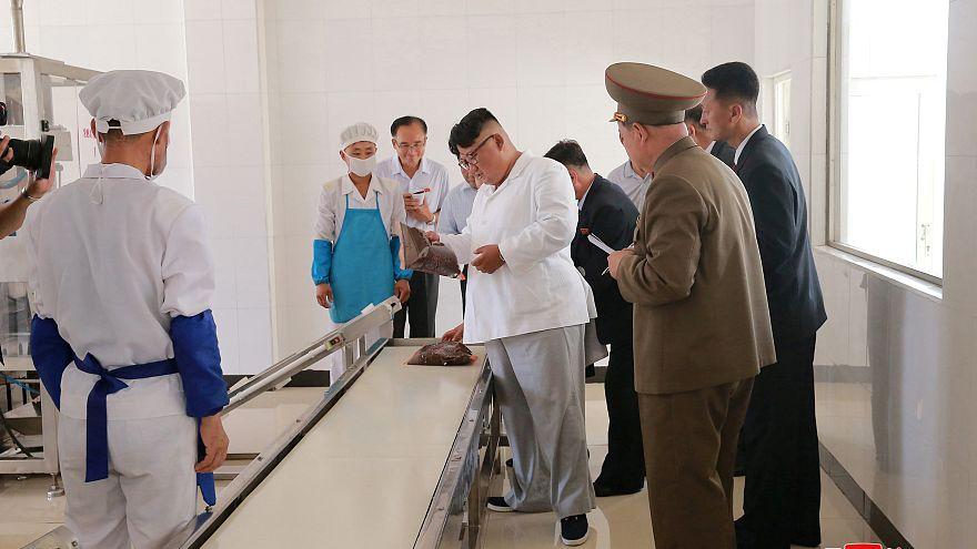كيم جونغ أون يطالب بتحسين تغذية الجنود
