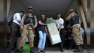Pakistan al voto: giorno storico