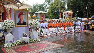 شاهد ترسيم فتية كهف تايلاند رهبانا بوذيين
