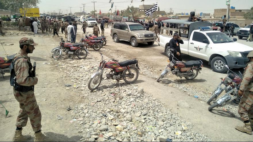 کشته شدن دستکم ۲۳ تن همزمان با آغاز انتخابات سراسری در پاکستان