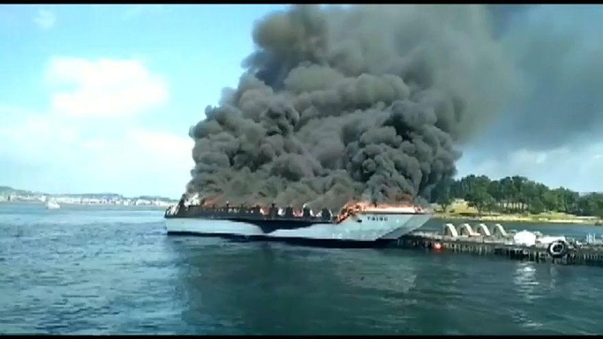 إنقاذ 52 شخصا على متن سفينة سياحية تعرضت لحريق في إسبانيا