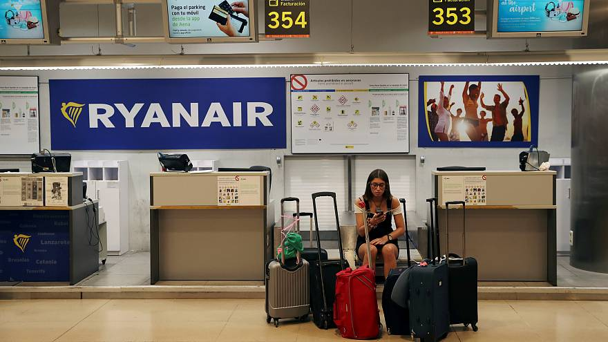 'Ryanair has no respect at all' - Brussels cabin crew join strike