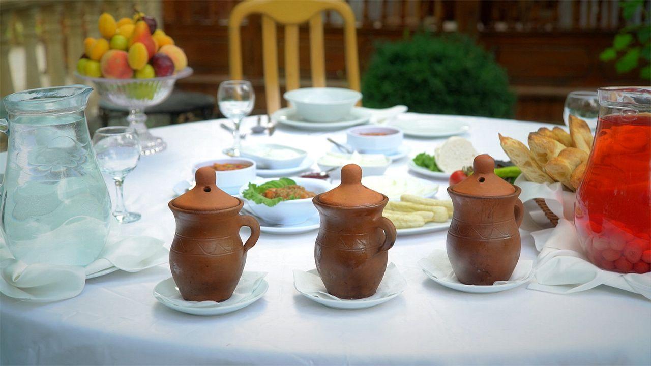 Postcards Azerbaïdjan : à table avec des plats traditionnels