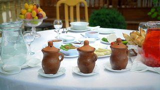 Il piti di Sheki, da piatto contadini a prelibatezza per turisti