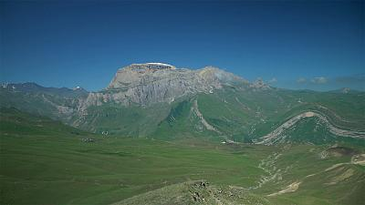 Discover the Shahdag mountain and the Greater Caucasus range