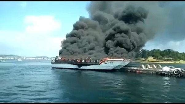Kigyulladt egy kirándulóhajó