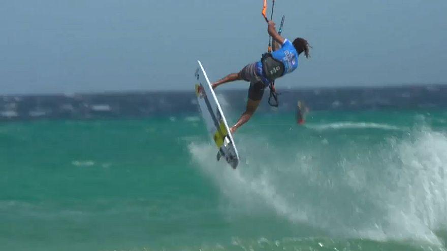 kitesurf : 19 secondes de vol sans toucher mer