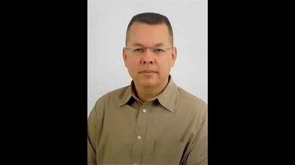 Rahip Brunson ev hapsine alındı, ABD Dışişleri yeterli bulmadı
