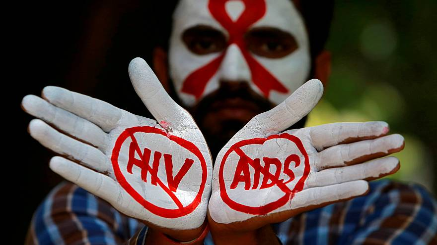 اليونيسيف: 30 مصابا بالإيدز كل ساعة والغالبية من الفتيات