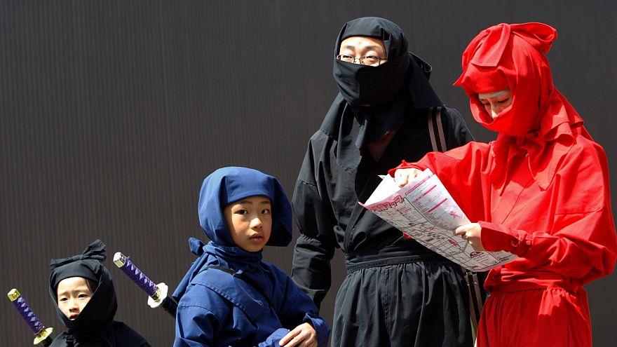 مدينة يابانية تتلقى عشرات الاتصالات من راغبين في التحول إلى نينجا