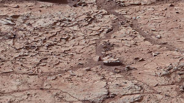 La superficie del planeta Marte dentro del cráter Gale.