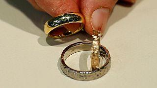 Corte suprema inglese costringe donna a rimanere sposata fino al 2020