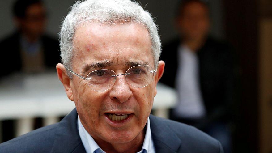 Colombia, dimissioni a sorpresa dell'ex presidente Uribe