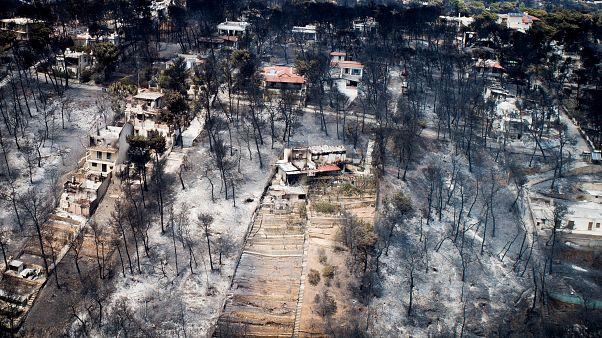 Aldeia costeira de Mati devastada pelos incêndios