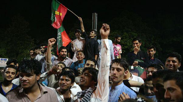 Оглашение результатов выборов в Пакистане отложено