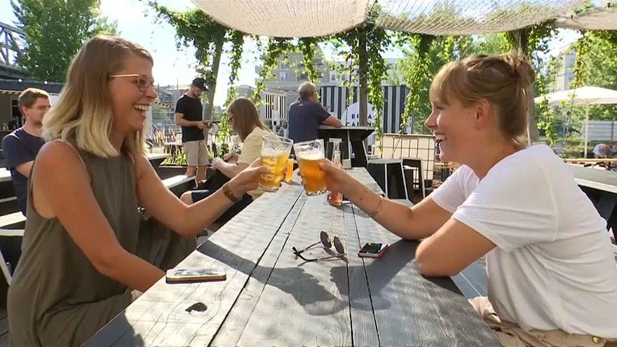 """أزمة البيرة  في ألمانيا بسبب """"الزجاجات الفارغة"""""""
