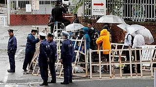 اليابان تعدم 6 أشخاص من طائفة نفذت هجوما مميتا بغاز السارين