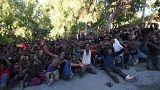 Cientos de inmigrantes llegan a Ceuta tras un violento asalto masivo a la valla fronteriza