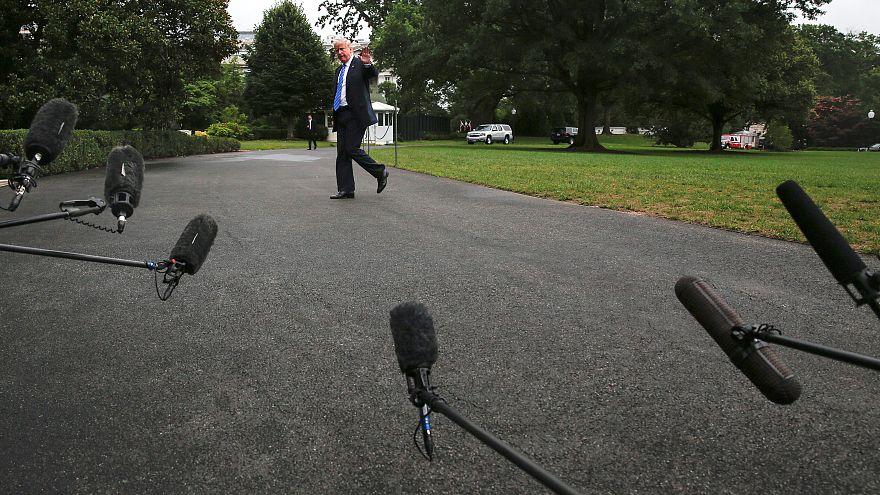 Beyaz Saray sorularını beğenmediği CNN muhabirini engelledi